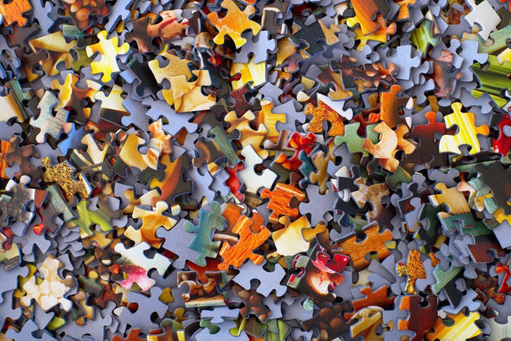Colourful jigsaw pieces