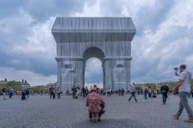 L'Arc de Triomphe, Wrapped. Image Shutterstock.